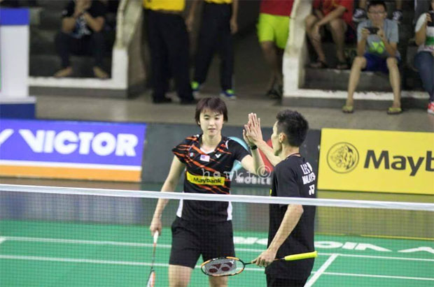 Lee Chong Wei seems to enjoy playing mixed doubles with Vivian Hoo. (photo: howkt)