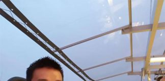 Wow! What a fantastic experience for Lee Chong Wei to eat dinner at 150ft (45.72 meter). (photo: Lee Chong Wei's FB)
