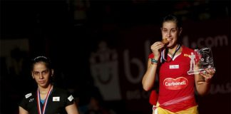 Thanks to Carolina Marin (right) and Saina Nehwal for their excellent performance in Jakarta. (photo: Reuters)