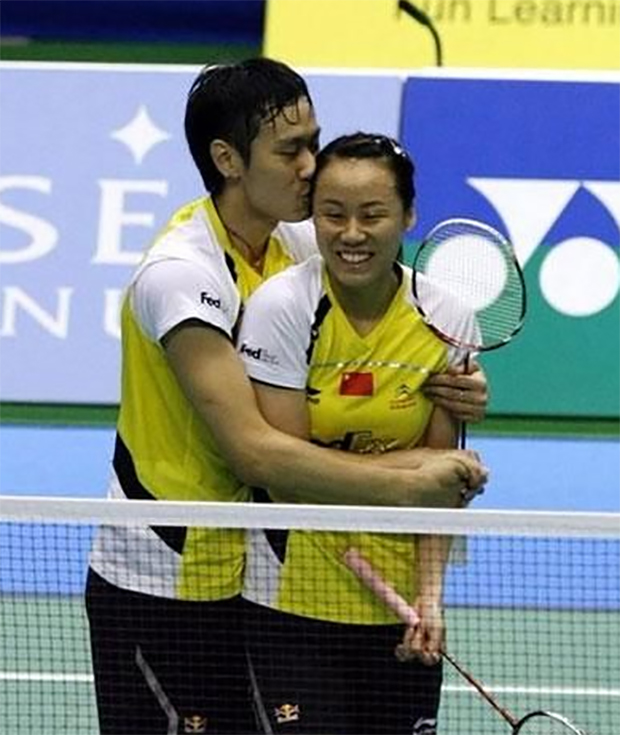 Zhang Nan (left) and Zhao Yunlei are the world's best mixed doubles badminton players.