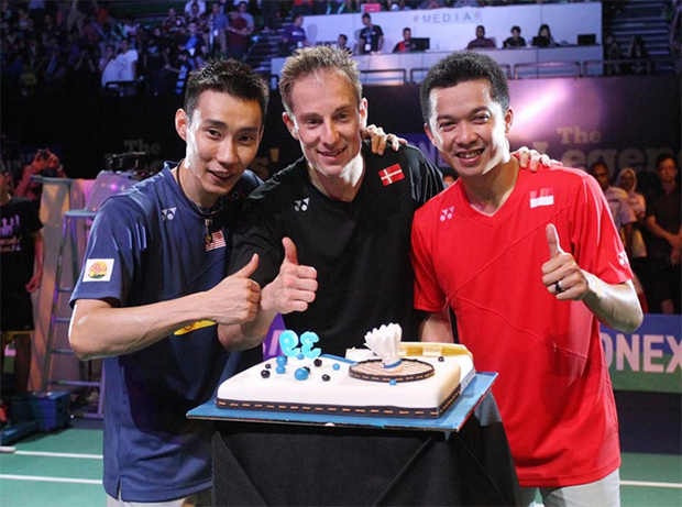 Peter Gade (middle) celebrates his 39th birthday with Lee Chong Wei (left) and Taufik Hidayat. (photo: Kwongwah)