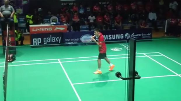 Lee Chong Wei strolls to easy win against Andre Kurniawan Tedjono in Malaysia Purple League.