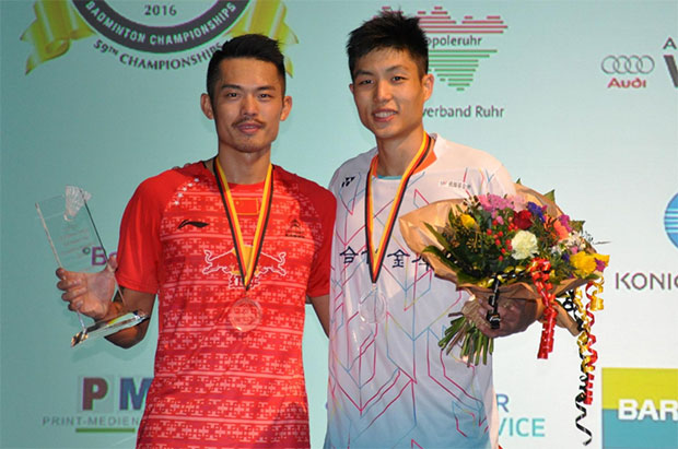 Lin Dan and Chou Tien Chen pose for pictures after their Men's Singles Final match at the German Open. (photo: badminton.de)
