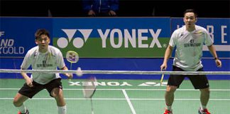 Tan Boon Heong/Koo Kien Keat cross rackets with Lee Sheng Mu/Tsai Chia Hsin in the semi-final of 2016 Swiss Open. (photo: Swiss Open)