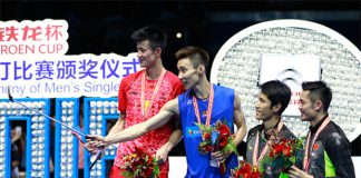 Lee Chong Wei (2nd L) of Malaysia uses a selfie stick to take photos with the runner-up Cheng Long (L) of China and the third place Tian Houwei (3rd L) of China and Lin Dan (R) of China on the podium after winning the men's singles final match against Chen Long of China at the 2016 Badminton Asia Championships. (photo: AFP)