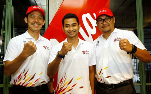 Rashid Sidek (left) and Rozman Razak, as well as Tommy Sugiarto (middle) are new additions to the AirAsia Badminton Academy. (photo: Muhd Asyraf Sawal)