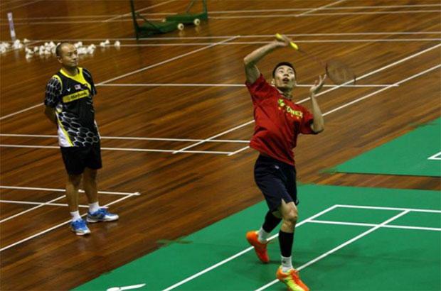Lee Chong Wei and other Malaysian badminton player receive training at Juara Stadium, Bukit Kiara. (photo: BAM)