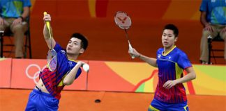 Tan Wee Kiong (L) and Goh V Shem will play Fu Haifeng-Zhang Nan in their last group match. (photo: AFP)