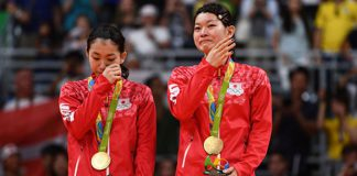 Congratulations to Misaki Matsutomo/Ayaka Takahashi for winning the 2016 Rio Olympic women's doubles gold medal. (photo: AFP)