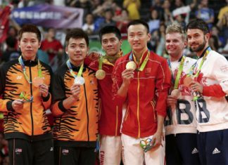 Silver medallists Goh V Shem and Tan Wee Kiong of Malaysia (from left), gold medallists Fu Haifeng and Zhang Nan of China, and bronze medallists Marcus Ellis and Chris Langridge of Britain pose on the podium. (photo: Reuters)