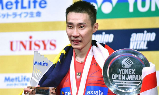 Lee Chong Wei celebrates his 6th Japan Open title in Tokyo. (photo: AFP)