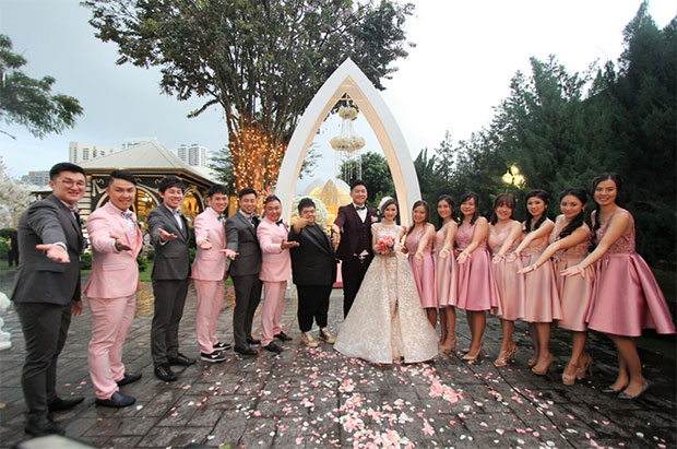 Congratulations to Tan Boon Heong and his wife! Wishing them a lifetime of love! (photo:sinchew.com.my)