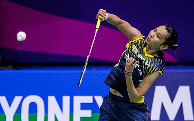 Tai Tzu Ying tries to defend her Hong Kong Open title against P.V Sindhu. (photo: AP)