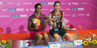 Tai Tzu-Ying and P.V. Sindhu pose on the podium. (photo: AP)