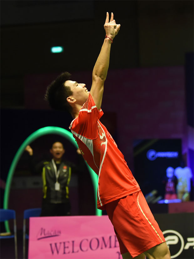 Zhao Jun Peng celebrates after winning the 2016 Macau Open.