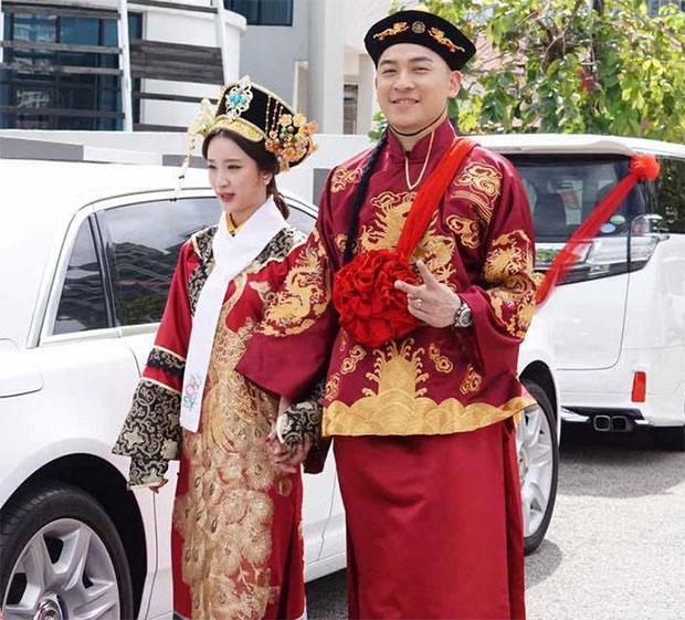 Congratulations to Tan Boon Heong and Sherlyn Tan. (photo: Tan Boon Heong's Facebook)