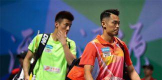 Lin Dan (right) beats Chen Long at the 2016/2017 China Badminton Super League (CBSL).
