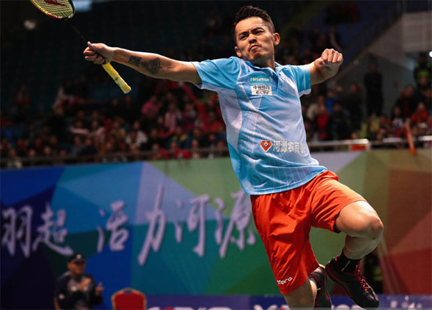 Lin Dan pumps his fist in celebration after winning his eight straight men's singles match in the 2016/2017 China Badminton Super League.