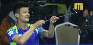 Chen Long takes selfie after his semi-final victory in the 2016/2017 China Badminton Super League (CBSL).