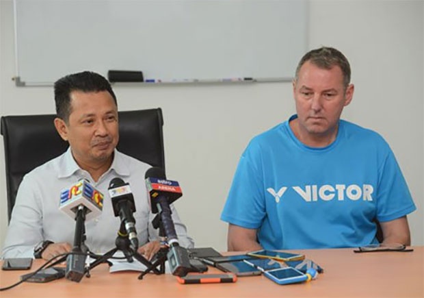 BAM's deputy President Datuk Seri Mohamad Norza Zakaria and Morten Frost answer questions in a press conference. (photo: Bernama)