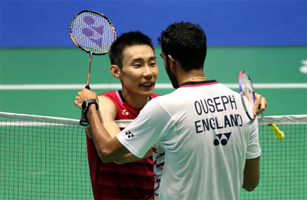 Lee Chong Wei greets Rajiv Ouseph after clinching victory at Malaysia Open. (photo: AFP)