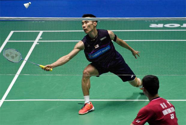 Lee Chong Wei beats Hu Yun of Hong Kong in the 2017 Malaysia Open second round. (photo: AFP)