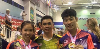 Chan Peng Soon/Cheah Yee See pose with their coach Pang Cheh Chang. (photo: Pang Cheh Chang's Facebook)
