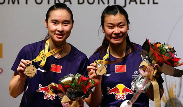 Bao Yixin & Tang Jinhua win the 2014 Malaysia Open. (photo: AP)