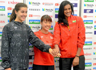 Its P.V Sindhu (right) vs Nozomi Okuhara (middle) again in the Japan Open second round. (photo: AP)