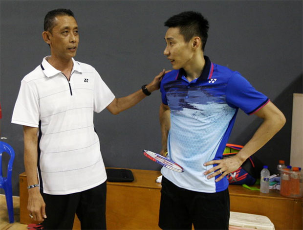 Slow starts and mid-set slumps are two common issues for Lee Chong Wei during the Japan Open, hope Misbun Sidek can help fix that. (photo: Bernama)