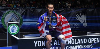 Lee Chong Wei shows the spirit of a true champion and makes his fans extremely proud of him. (photo: AP)