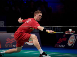 Viktor Axelsen made to work by qualifier Wei Nan in the 2017 Denmark Open second round. (photo: AP)
