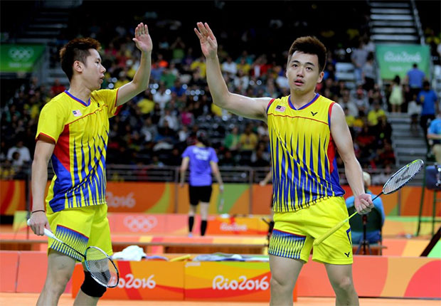 Goh V Shem/Tan Wee Kiong need to work hard, and to innovate their playing style to earn a chance to rejuvenate their career. (photo: AP)