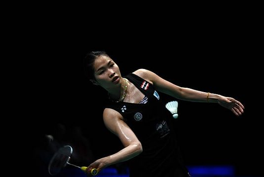 Ratchanok Intanon to set up her 6th meetings with Akane Yamaguchi in the 2017 season on Saturday. (photo: AP)