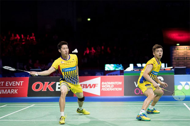 Goh V Shem/Tan Wee Kiong handed easy passage into Thailand Masters quarter-finals. (photo: AP)