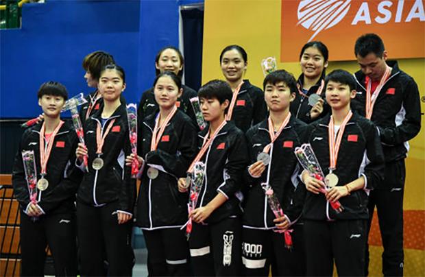 The China women's team on the 2018 Badminton Asia Team Championships (BATC) podium. (photo: AP)