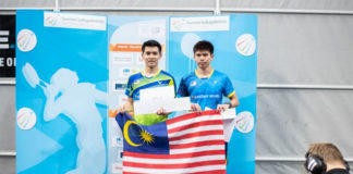 Leong Jun Hao share podium with Cheam Jun Wei at Finnish Open. (photo: BWF)