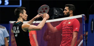 Lee Chong Wei gets stiff test against HS Prannoy in the 2018 Commonwealth Games semi-finals. (photo: AP)