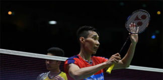 Lee Chong Wei beats Anthony Sinisuka Ginting in the Thomas Cup quarter-finals. (photo: AFP)