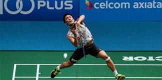 Kento Momota takes down Anthony Sinisuka Ginting in tough Malaysia Open first round. (photo: Bernama)