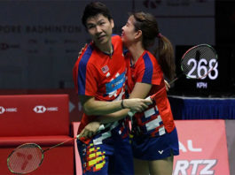 Goh Soon Huat/Shevon Jemie Lai stun Tontowi Ahmad-Liliyana Natsir to win Singapore Open. (photo: AFP)