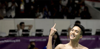 Jonatan Christie celebrates his Asian Games victory. (photo: AFP)