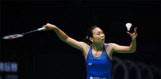 Zhang Beiwen shocks PV Sindhu of India in Denmark Open first round. (photo: AFP)