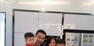 Lee Chong Wei celebrates his 36th birthday with his wife and sons. (photo: Lee Chong Wei's Twitter)