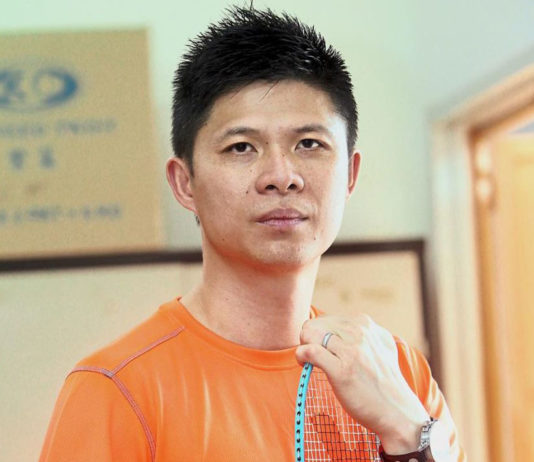 """Wong Choong Hann should team up with his """"Shifu"""" - one of the all-time badminton legend, Han Jian, in order to to revive Malaysian badminton. (photo: AFP)"""