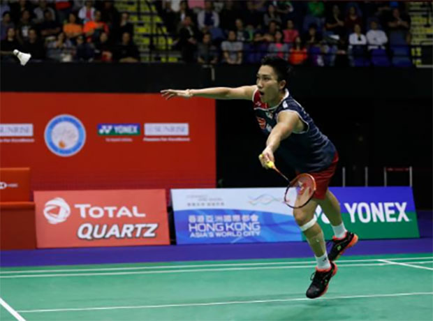 Kento Momota continues his sizzling form to set up a Hong Kong semi-final clash with Son Wan Ho of Korea. (photo: AFP)