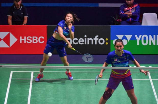 Chow Mei Kuan/Lee Meng Yean advance to the Syed Modi International semi-finals. (photo: AFP)