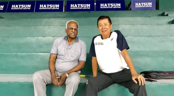 Rudy Hartono (R) at the Hatsun Badminton Centre in Thiruthangal, Tamil Nadu. (photo: PT)