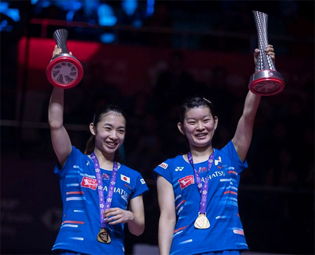 Olympic champions Misaki Matsutomo/Ayaka Takahashi win the only title for Japan in the 2018 BWF World Tour Finals. (photo: AFP)