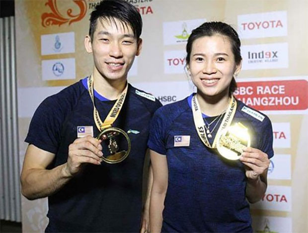Chan Peng Soon/Goh Liu Ying poses with their Thailand Masters gold medals.
